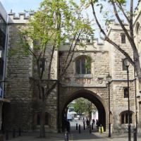 St_Johns_Gate_Clerkenwell.jpg